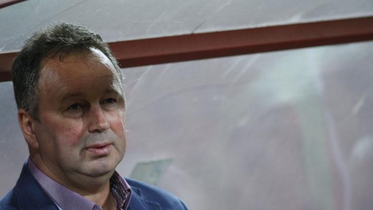 Ангел Червенков застана начело на украински отбор