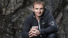 Известният швейцарски алпинист Ули Щек загина на Еверест