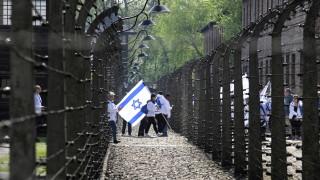 """Маршът на живите извървя три километра от """"Аушвиц"""" до """"Биркенау"""""""
