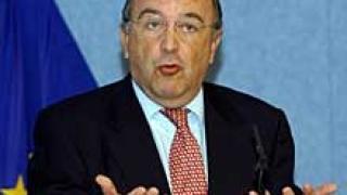 Еврокомисар заплашва Унгария с орязване на пари от еврофондовете