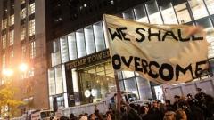 Хиляди млади американци излязоха на протести срещу Тръмп