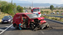 Катастрофа в Благоевград прати двама души в болница