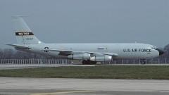"""САЩ следят Северна Корея със самолет, """"надушващ ядрени оръжия"""""""