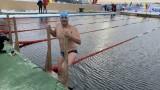 Петър Стойчев с първа тренировка в ледените води на Мурманск преди Световното първенство