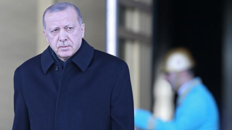 Ердоган иска да сложи ръка върху най-голямата турска публична банка