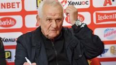 Люпко Петрович: Скамейката на ЦСКА и Левски е като електрически стол