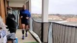 Елиша Ночомовиц, Франция под изолация и да пробягаш 42 километра на балкона си