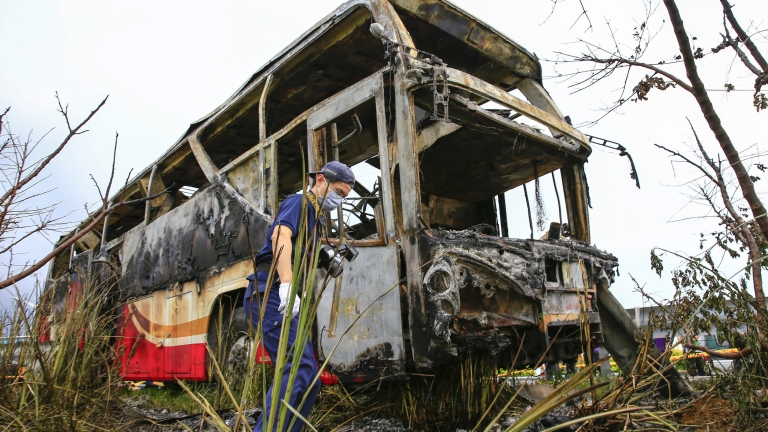 52-ма души са загинали в Казахстан, след като автобусът, в