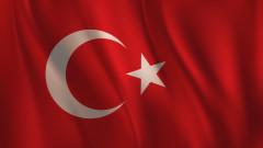 Турски съд остави в ареста задържаните гръцки войници