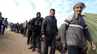 """Засилва се либийският """"десант"""" към Тунис"""