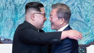 Северна Корея взривява ядрения си полигон пред погледа на западни журналисти