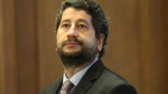 Правосъдният министър иска да потуши напрежението в Агенцията по вписванията