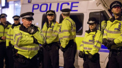 Няколко души пострадаха след като кола се вряза в пешеходци в Лондон