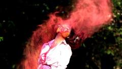 Индия в цветовете на дъгата – настъпи празникът Холи