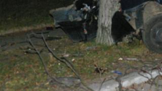 21-годишна загина след удар на кола в дърво до Игнатиево