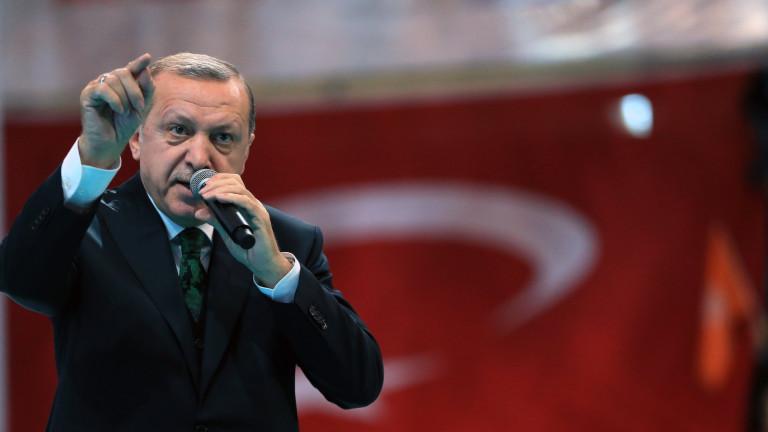 Ердоган се нахвърли на НАТО, че не помага на Турция в Сирия