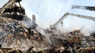 Още четири тела извадиха от рухналата в Техеран сграда