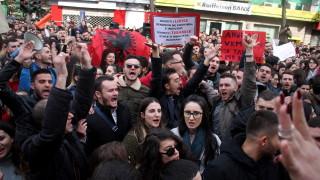 Хиляди студенти в Албания ескалират бунта срещу таксите за обучение