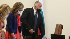 Захариева не би останала в експертен кабинет без лидера Борисов