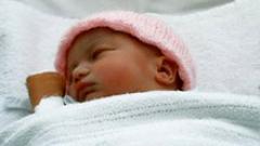 Изтеглят 5 млн. кутии бебешко мляко заради буболечки