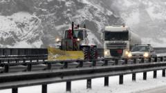 Пътищата са проходими, сняг, мъгли и ремонти на места