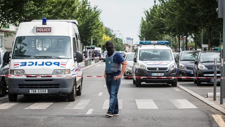 8 души задържани за нападението в Ница