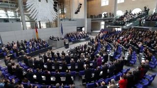 Германия отлага решението за нови военни кораби и дрони за 13 млрд. евро
