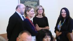 """Павлова се """"сбогува"""" във """"Фейсбук"""" като министър, връща се в НС като депутат"""