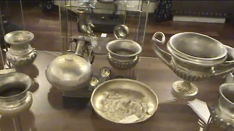Броят на иззетите от офиса на ул. Московска №43 предмети