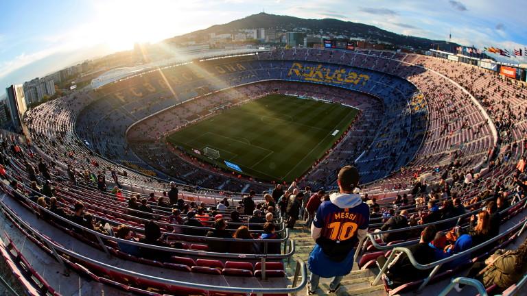 Коронавирус и във футболния Барселона
