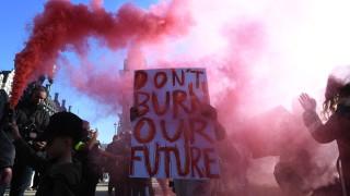 Брюксел пришпорва страните в ЕС да са по-амбициозни в борбата с климатичната криза