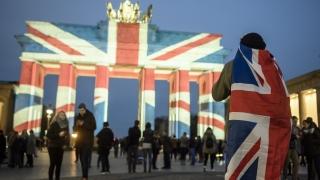 Берлин реши да не осветява Бранденбургската врата в руското знаме, германците бесни