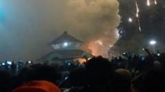 60 души загинаха при пожар в Индия