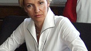 """Грънчарова не очаква """"интрига"""" от доклада на ЕК"""