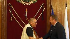 Министърът на отбраната награди Димитър Пенев