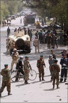 Атентатор в Афганистан рани 12 души