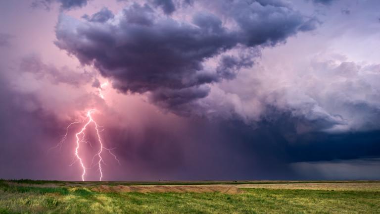 Дъжд и гръмотевични бури, 13 области са с жълт код