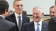 Военният министър на Тръмп приветства НАТО като здрава основа на сътрудничество