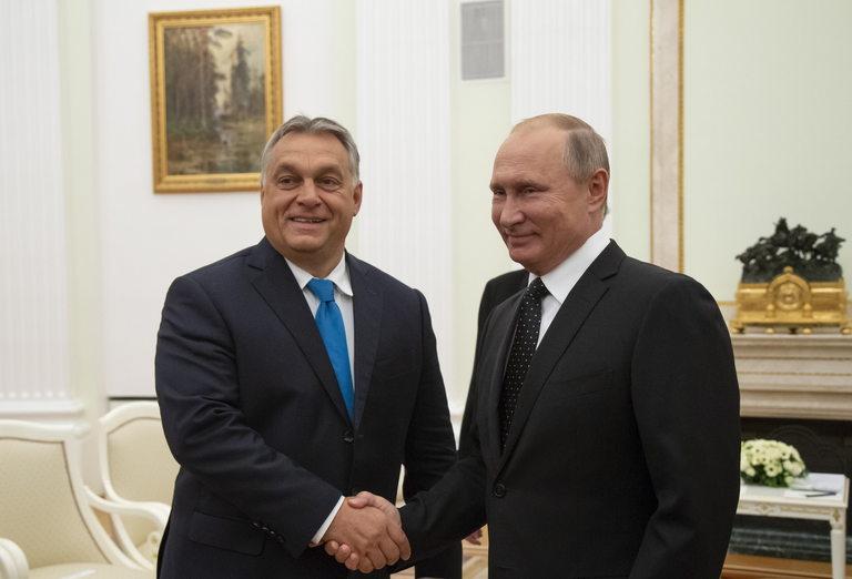 Орбан поддържа силно партньорство и с руския президент Владимир Путин