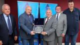 Красен Кралев връчи благодарствен плакет на президента на FIVB