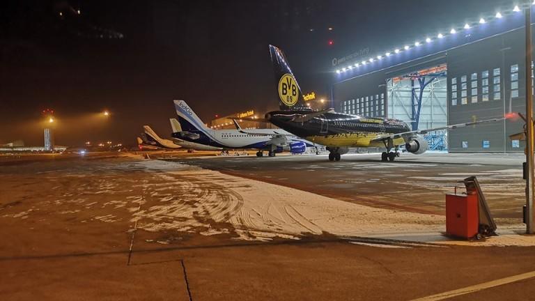 """Самолетът на Борусия (Дортмунд) кацна на летище """"София"""""""