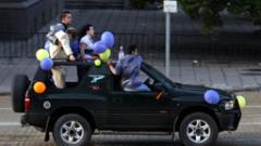 Абитуриентите без тържества в училищните дворове на 24 и 25 май