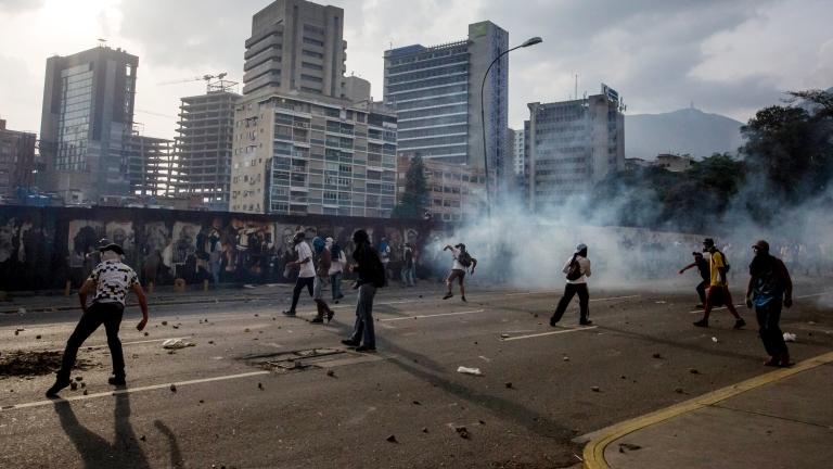 Корпоративна Америка не може да напусне Венецуела достатъчно бързо. Закъсалата