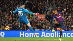 Новият треньор на Барселона стопира продажбата на Артуро Видал