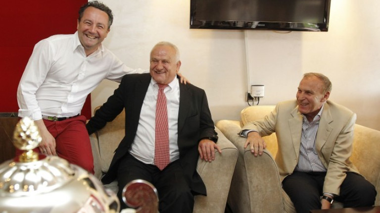 Мисията на Петрович в Босна беше успешна, одобри двама футболисти за ЦСКА