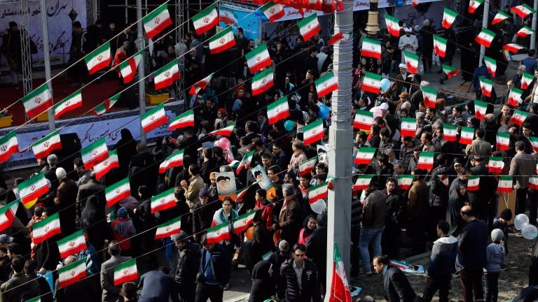Ако САЩ ни нападнат, ще ударим и съюзниците им, заплаши Иран