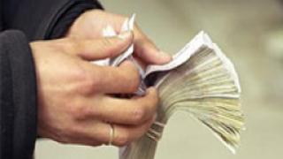 Увеличават заплатите на общинските съветници