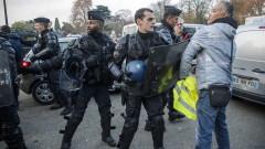 Шофьори във Франция блокират пътища срещу вдигането на акцизите върху горивата