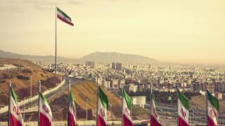 Седем кораба пламнаха в Иран