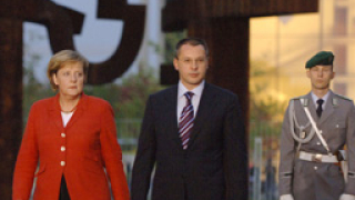 Ангела Меркел най-популярен политик в ЕС за 2006